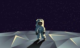 Astronaut på den polygonal måneyttersidan Plan geometrisk illustration Royaltyfri Foto