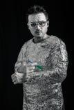 Astronaut som applicerar injektionssprutan Fotografering för Bildbyråer