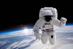 Astronaut am Spacewalk stockfotografie