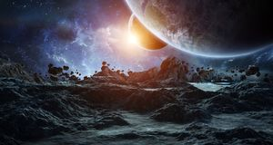 Astronauta bada asteroidy 3D renderingu elementy to i Obraz Royalty Free