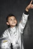 Astronauta Boy Pointing Upwards Fotografia Stock