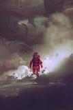 Astronauta che cammina attraverso il fumo sul pianeta con le costruzioni di fantascienza su fondo royalty illustrazione gratis