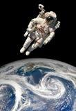 Astronauta en espacio exterior Fotos de archivo libres de regalías