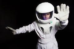 Astronauta od przyszłościowego mówi przerwę Portret młoda kobieta w hełmie zdjęcia royalty free