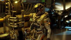 Astronauta przyszłość chodzi korytarz jego statek kosmiczny zbiory
