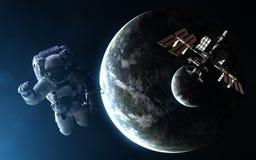 Astronauta, stacja kosmiczna, exoplanet z księżyc w świetle błękitnej gwiazdy Elementy wizerunek meblują NASA obraz stock