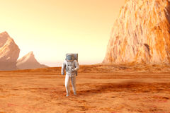 Astronauta su Marte Fotografie Stock Libere da Diritti