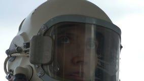 Astronauta Woman Communicating almacen de video