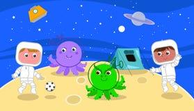 Astronautas que juegan a fútbol con los extranjeros de la historieta stock de ilustración