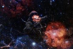 Astronaute au spacewalk Beaut? d'espace lointain image libre de droits