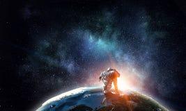 Astronaute courant le media mélangé rapide illustration stock
