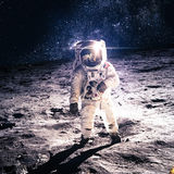 Astronaute sur la lune Photographie stock libre de droits