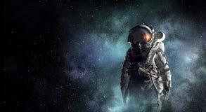 Astronautenontdekkingsreiziger in ruimte Gemengde media Royalty-vrije Stock Fotografie