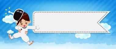 Astronautyczna dziecko kreskówka 001 i tło Obłoczny i błękitny Zdjęcie Stock