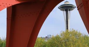Astronautyczna igła od Olimpijskiego rzeźba parka w Seattle, Waszyngton 4K zbiory wideo