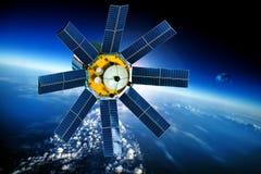 Astronautyczna satelita nad planety ziemią zdjęcia stock