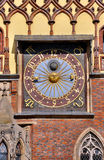 Zegar na urzędzie miasta w Wrocławskim Zdjęcie Stock