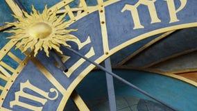 Astronomiczny Zegarowy wierza szczegół w Starym miasteczku Praga, republika czech Astronomiczny zegar tworzył w 1410 zegarmistrze Obrazy Royalty Free