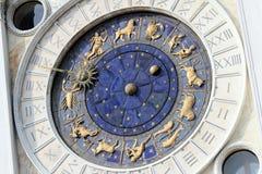 Astronomische Borduhr in Venedig, St Mark Quadrat. Stockbild