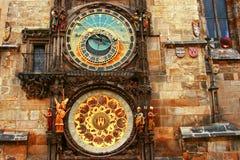 Astronomische klok in de oude stad vierkante Praha, Tsjechische Republiek stock afbeelding