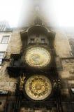 Astronomische klok in een mist Stock Afbeeldingen