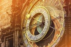 Astronomische Uhr auf altem Marktplatz Prags stockfoto