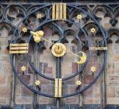 Astronomische Uhr und Tor der gotischen Kathedrale der Heiliger Vitus, Prag-Schloss, Tschechische Republik Europa Stockbilder