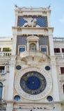 Astronomische Uhr und Turm, Venedig Stockbilder