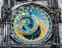 Astronomisk klocka - Praha gränsmärke Arkivfoto