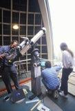 Astronomowie używać teleskop Fotografia Stock