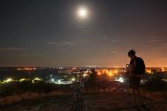 Astrophotographer που κάνει την εργασία του στοκ φωτογραφίες με δικαίωμα ελεύθερης χρήσης