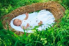 Astuces pour des parents Soin nouveau-né de chéri Le meilleur bébé incline et dupe tous les parents doit savoir Apport du soin af images stock