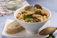 Asturian clams and beans.Spanish cuisine. Royalty Free Stock Images