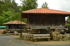 Asturian Horreos на трассе Camin Encantau в совете Llanes Природа, перемещение, ландшафты, леса, фантазия стоковое изображение