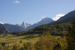 asturias bulnes de naranjo spain Royaltyfria Bilder
