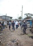 Asunto diario en Kibera Kenia Foto de archivo