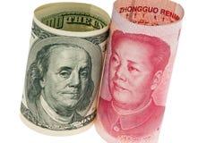 Asunto yuan de China y el dólar Fotos de archivo