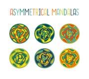 Asymmetrisch kleurrijk die mandalaontwerp met dalingen in een cirkel geometrische vorm wordt geplaatst royalty-vrije illustratie