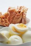 Atún y huevos Imagen de archivo libre de regalías