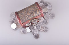 Ataúd con el dinero Foto de archivo libre de regalías