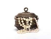 Ataúd con las gotas 2 de la perla Imagen de archivo libre de regalías