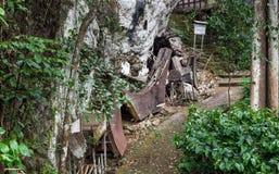 Ataúde fúnebre tradicional velha de Toraja fotografia de stock royalty free