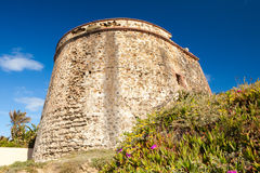 Atalaya mora en la costa de España Fotos de archivo