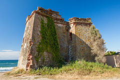 Atalaya mora en la costa de España Fotografía de archivo