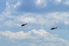 Ataque de los helicópteros rusos MI-24 Foto de archivo