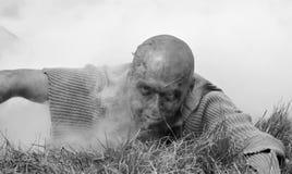 Ataque del zombi foto de archivo