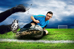 Ataque do futebol Imagens de Stock