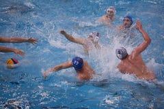 Ataque do polo aquático Fotos de Stock