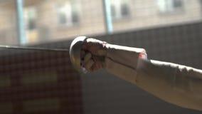 Ataques do esgrimista no gym video estoque