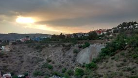 Atardecer en Guanajuato & x28; Solnedgång i Guanajuato& x29; royaltyfri foto